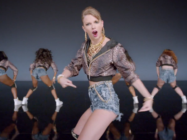 "Taylor Swift in her ""Shake It Off"" video."