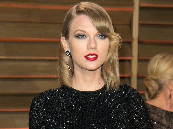 Taylor Swift, Celebrities attend 2014 Vanity Fair Oscar Party at Sunset Plaza.<br />Credit: Brian To/WENN.com