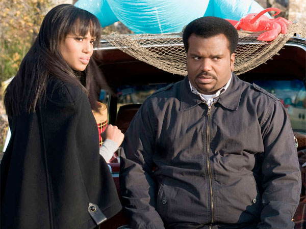 "In Tyler Perry´s ""Peeples,"" Craig Robinson plays Wade, who crashes girlfriend Grace´s (Kerry Washington) posh family home in the Hamptons."
