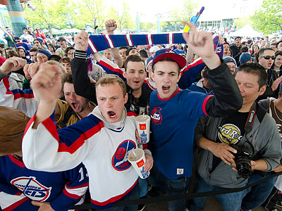 The NHL is returning to Winnipeg after a 15-year absence. (David Lipnowski/Canadian Press/AP)
