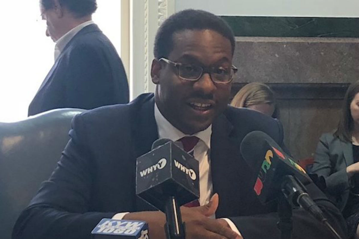 Reginald Ross, director of Ecometrics at Jones Lang LaSalle, talks to reporters about his firm's study on Philadelphia's 10-year tax abatement program.
