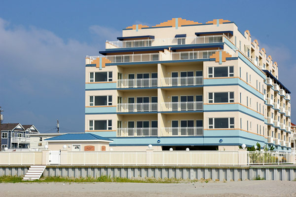 24 oceanfront condos at the Royal Beach in Wildwood Crest will be auctioned off June 26, 2010.