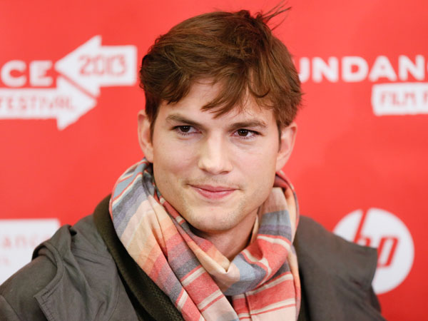 "Actor Ashton Kutcher, who portrays Apple´s Steve Jobs in the film ""jOBS,"" poses at its premiere during the 2013 Sundance Film Festival on Friday, Jan. 25, 2013 in Park City, Utah. (Photo by Danny Moloshok/Invision/AP)"