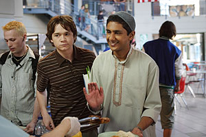 "Dan Byrd and Adhir Kalyan star as Justin Tolchuck and Raja Musharaff on the CW´s ""Aliens in America,"" a critically recommended series that should stick around despite its performance in the ratings."