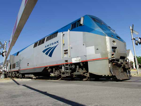 Amtrak and the state reached an agreement on paying for continued train service between Pittsburgh and Harrisburg. (AP Photo/Seth Perlman, File)