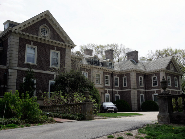 The front of the main house of the Ardrossan estate in Radnor Township. (Michael Perez/Inquirer) <br />