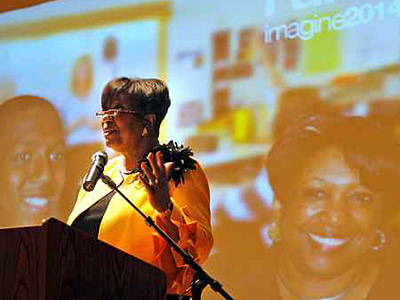 In front of a giant projection screen, Philadelphia School District Superintendent Arlene Ackerman formally kicks off the 2009-10 school year with her Principals´ Convocation on Aug. 10. ( Tom Gralish / Staff Photographer / File )