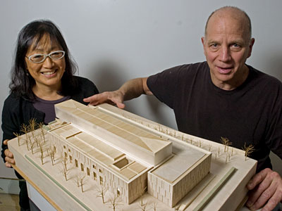 Architects Tod Williams (right) and Billie Tsien show off a model for the new Barnes Foundation on the Parkway in Philadelphia. (Clem Murray / Staff Photographer)