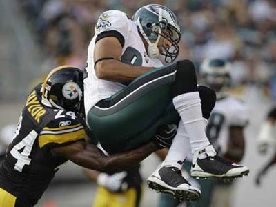 Eagles receiver Hank Baskett in a game against the Steelers last September. (Ron Cortes / Staff Photographer)