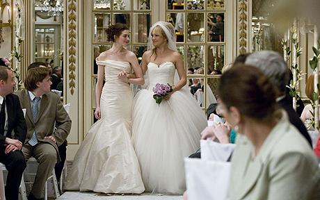 "Here comes the brides Anne Hathway and Kate Hudson in ""Bride Wars."" Hollywood loves bride movies because they purvey pretty ingenues and sell high-end dresses and rings. But do twentyish girls love them?"