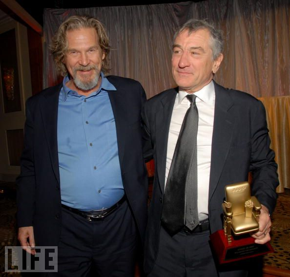 Jeff Bridges and Robert De Niro try a little togetherness