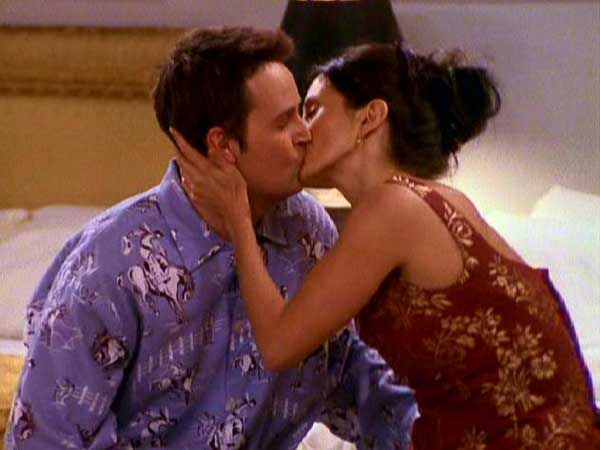 episode where monica and chandler start dating