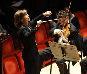 JoAnn Falletta conducting the Curtis orchestra Tuesday night, with concertmaster Joel Link.<br />Photo: David DeBalko