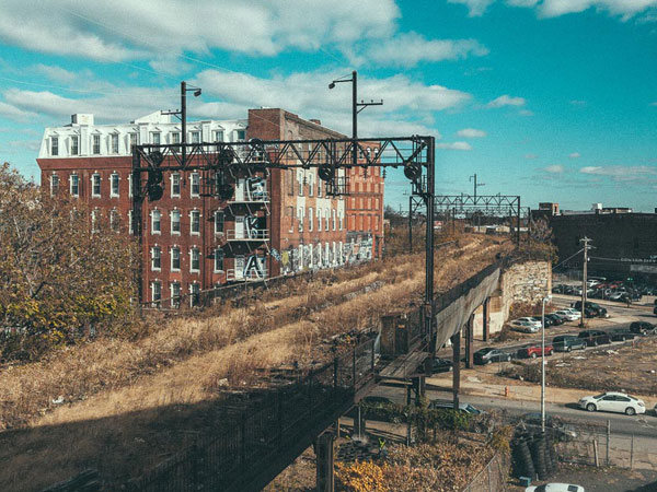These photos capture the current state of the abandon rail line that will soon become Philadelphia´s Rail Park, a 3-mile project that will change the city's landscape. (Photo: Hudson Handel)
