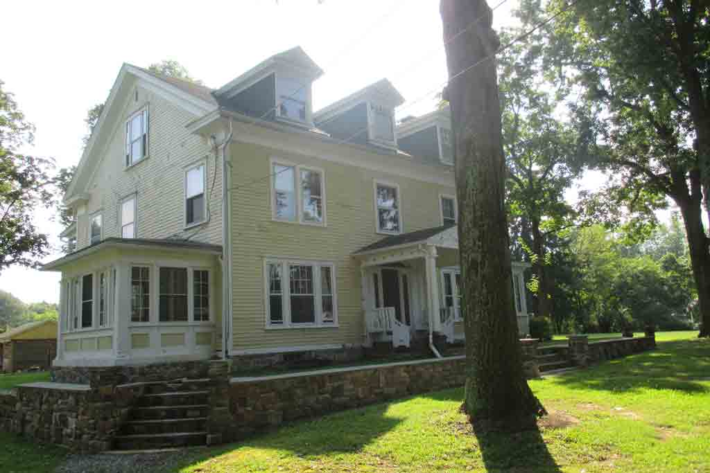 This home in Beavertown, Pa. belonged to late Monkees lead singer Davy Jones. It just hit the market for $389,000.