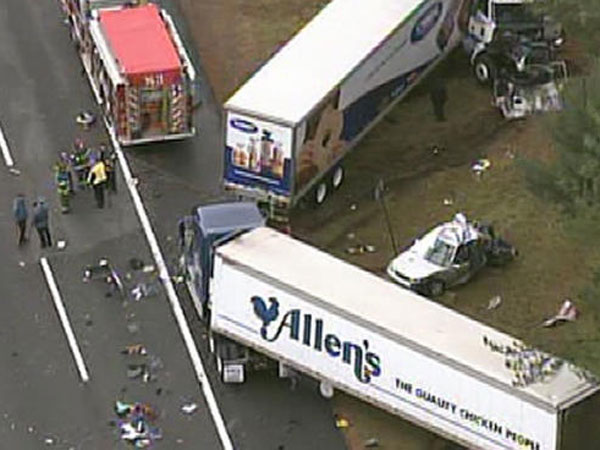 The scene of a four-car crash on the New Jersey Turnpike. (NBC10.com)