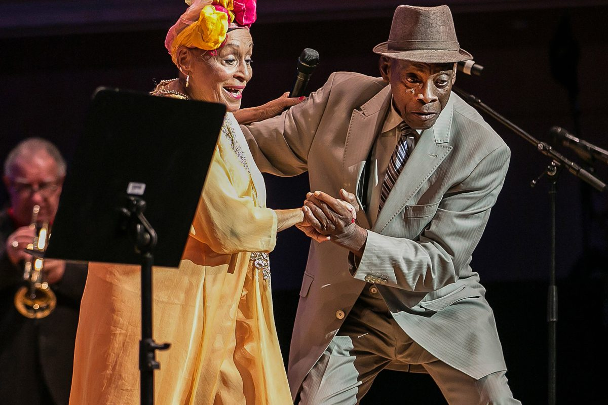 """""""BUENA VISTA SOCIAL CLUB: ADIO"""": (l to r) Omara Portuondo (vocals) and Papi Oviedo (Tres player) perform in the documentary. (Credit: Dragan Tasic / Broad Green Pictures)"""