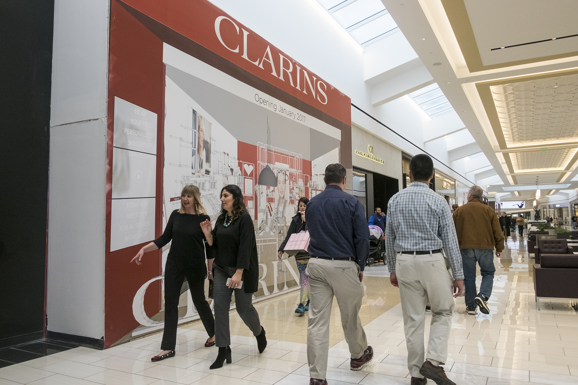 Shoppers in the new luxury wing at King of Prussia Mall will be able to access a concierge bot to help them get around. ED HILLE / Staff Photographer.