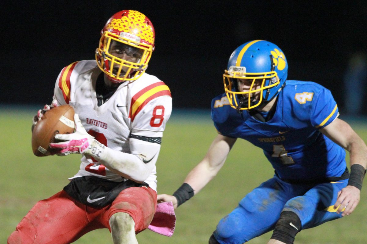 Jordan Mosley, left, of Haverford High, has committed to play at Maryland. He is projected to play linebacker for the Terrapins. CHARLES FOX / Staff Photographer