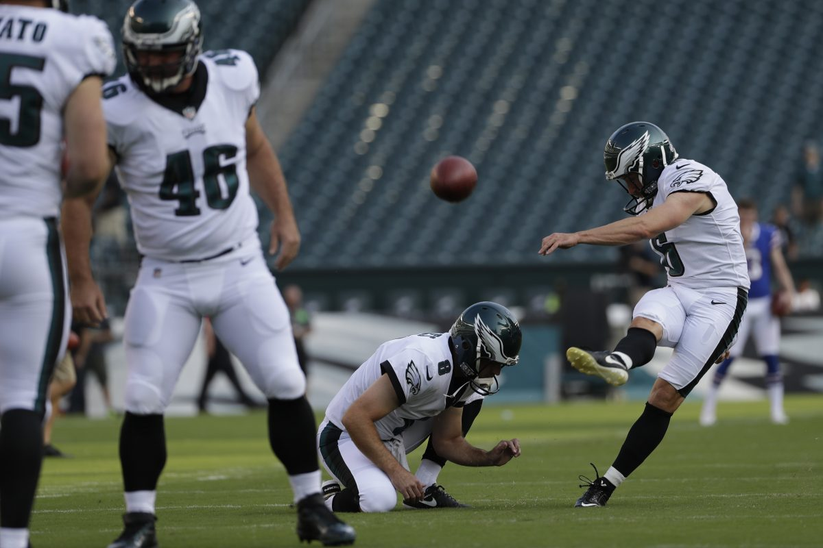 Philadelphia Eagles´ Caleb Sturgis warms up before an NFL preseason football game against the Buffalo Bills, Thursday, Aug. 17, 2017, in Philadelphia. (AP Photo/Michael Perez)