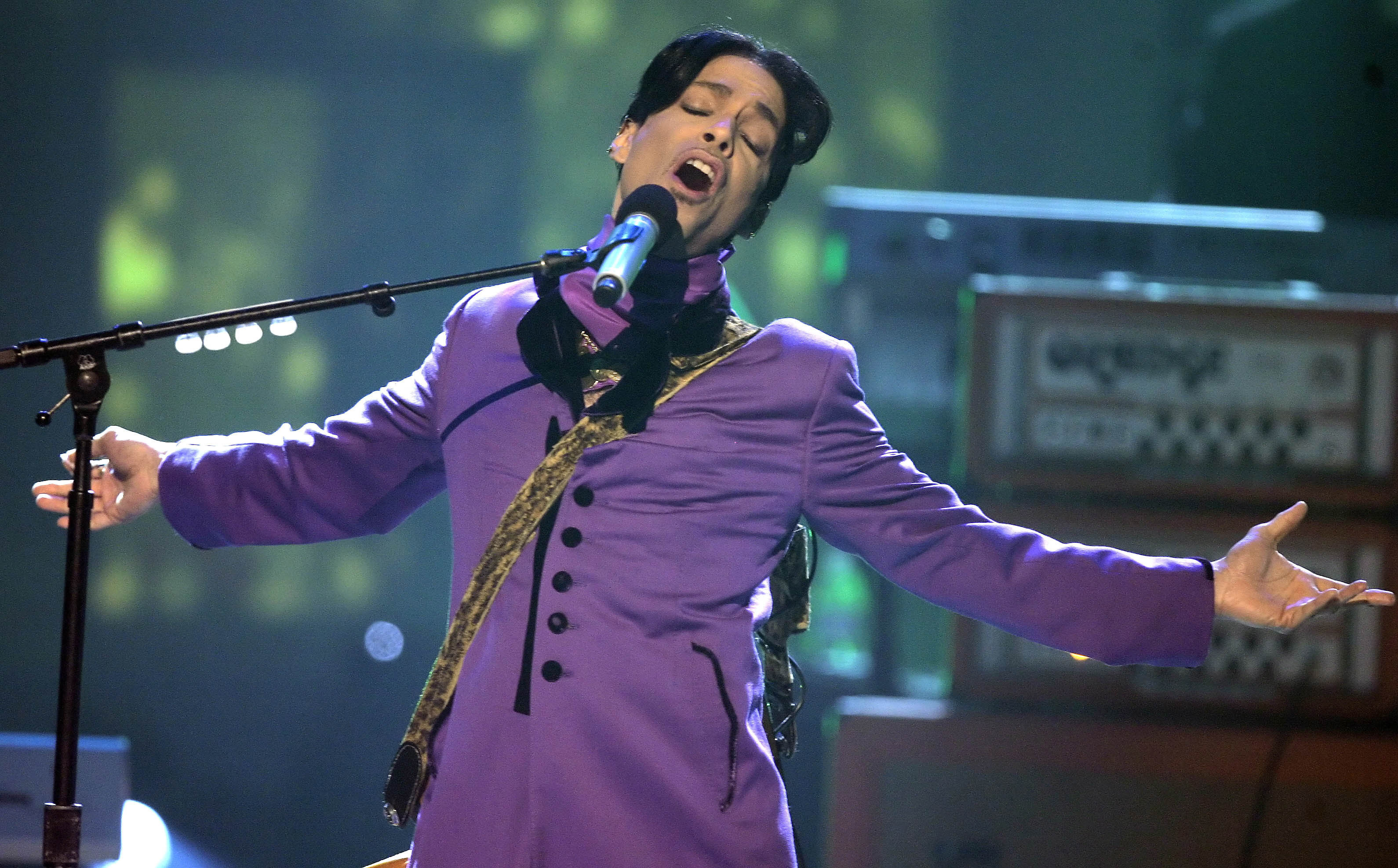 An effort in Minneapolis would replace a statue of Christopher Columbus with one of Prince.