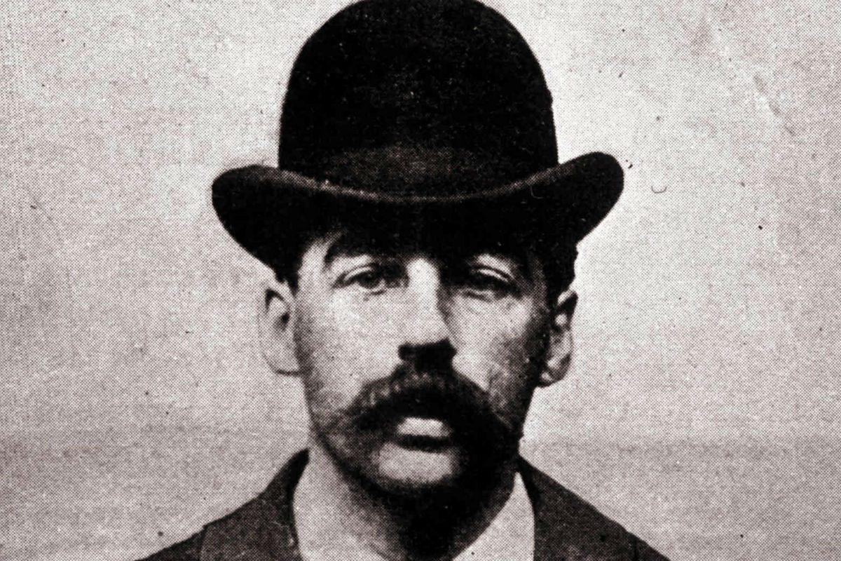 Herman Mudgett, beter known as serial killer H.H. Holmes.
