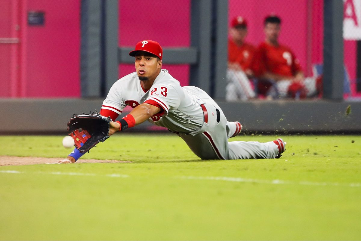 Phillies rightfielder Aaron Altherr makes a diving catch in the team's 7-2 loss to the Braves.