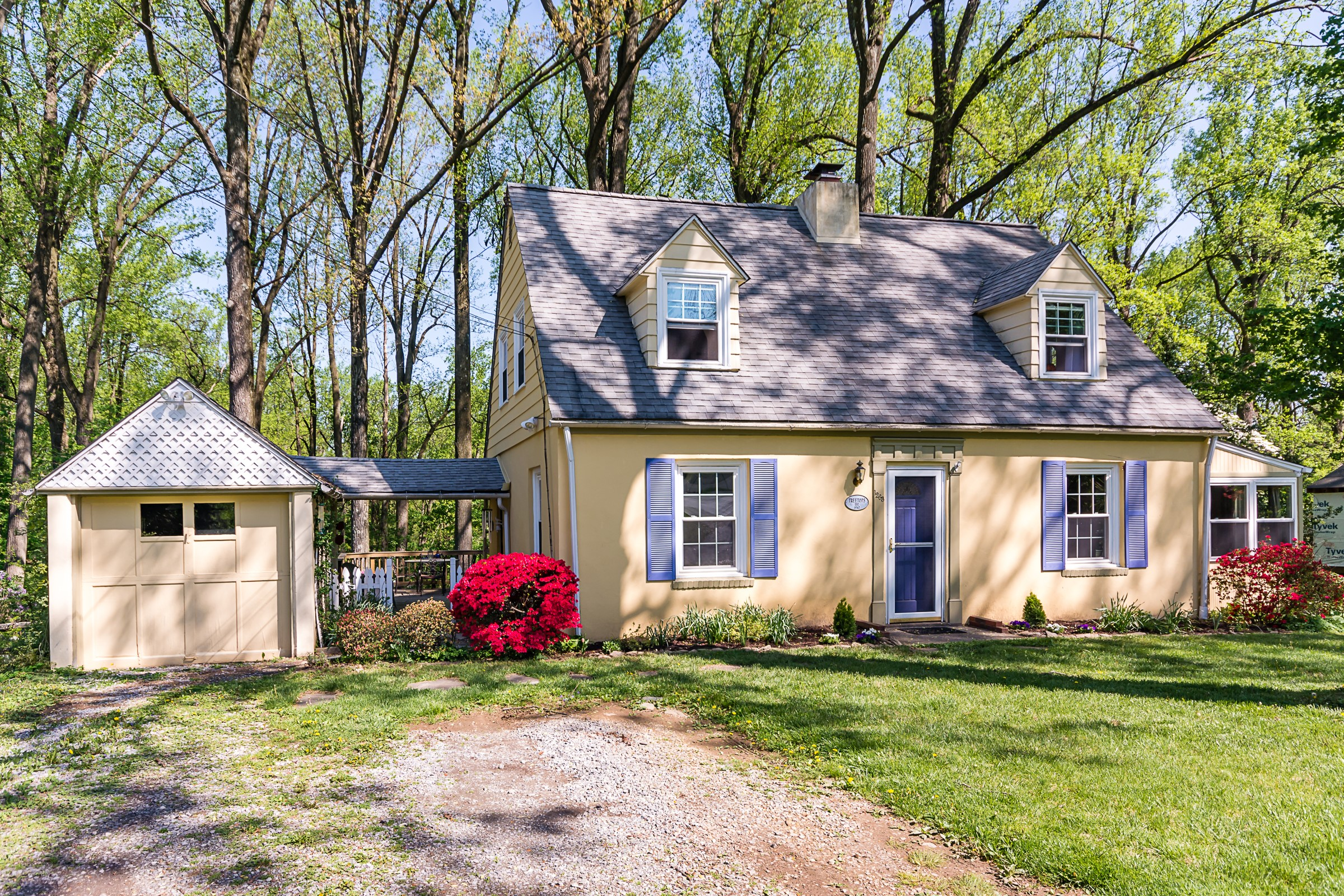 Located in Berwyn in the Tredyffrin/Easttown School District, this three-bedroom, two-bathroom home was priced at $410,000 for 1,302 square feet. It went under agreement within six days.