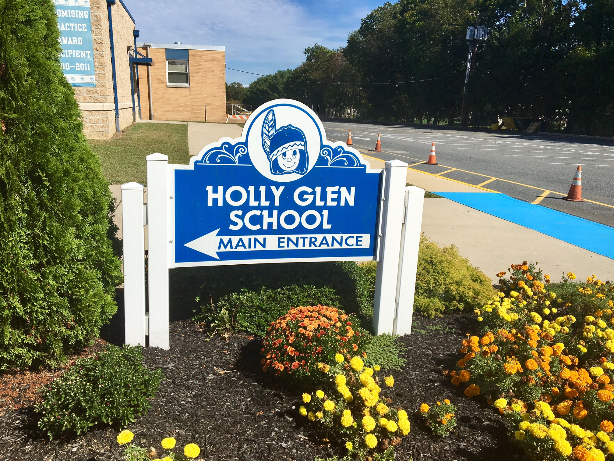 Holly Glen elementary school, where the presence of mold has been confirmed, remained closed Tuesday.