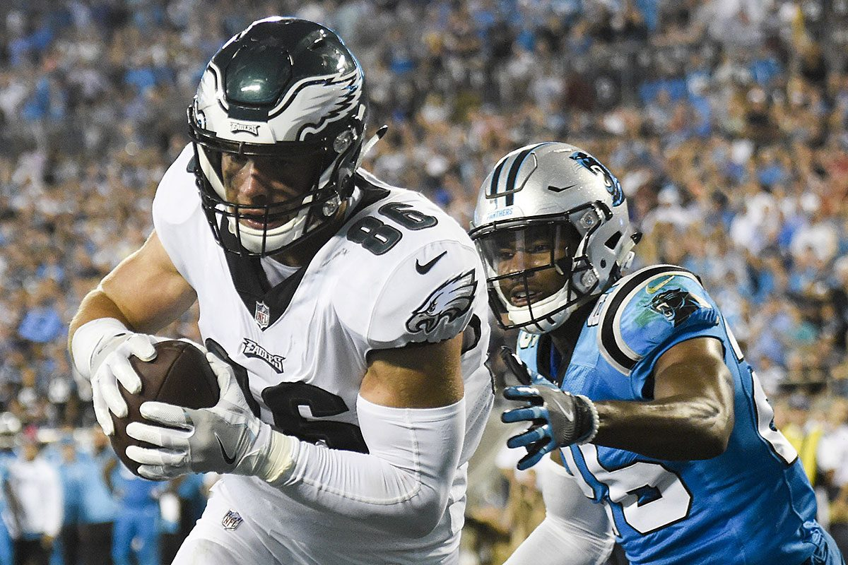 Eagles tight end Zach Ertz catches a touchdown against Carolina Panthers cornerback Daryl Worley.