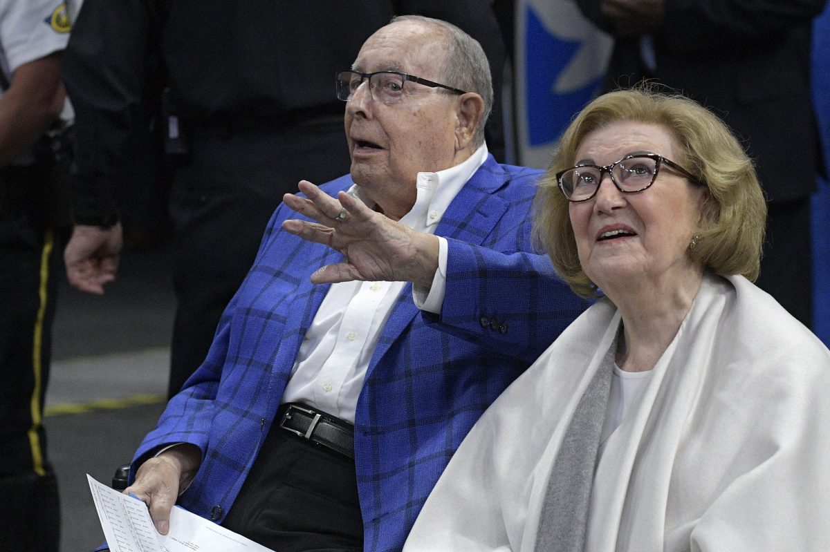 Helen DeVos with her husband, Orlando Magic owner Richard DeVos, at a Magic game in Orlando, Fla., Wednesday, March 8, 2017.