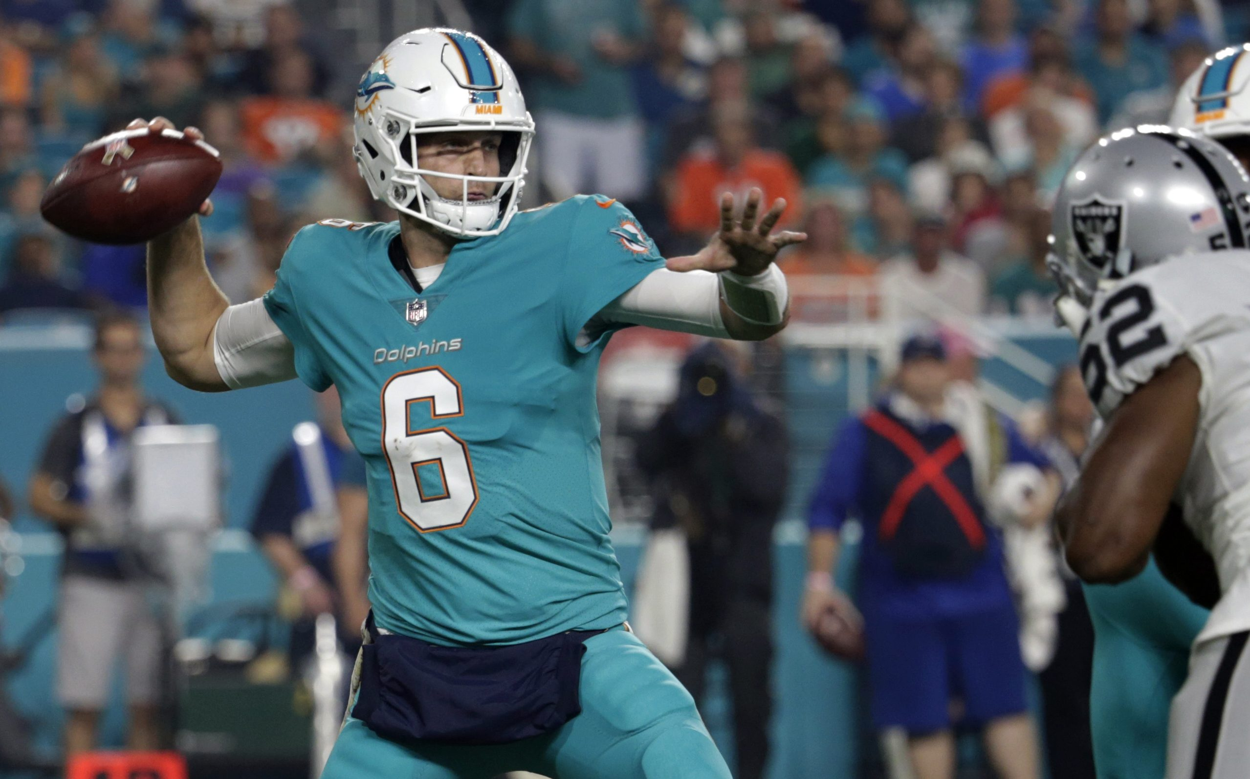 Miami Dolphins quarterback Jay Cutler (6) looks to pass, during the first half of an NFL football game against the Oakland Raiders, Sunday, Nov. 5, 2017, in Miami Gardens, Fla. (AP Photo/Lynne Sladky)