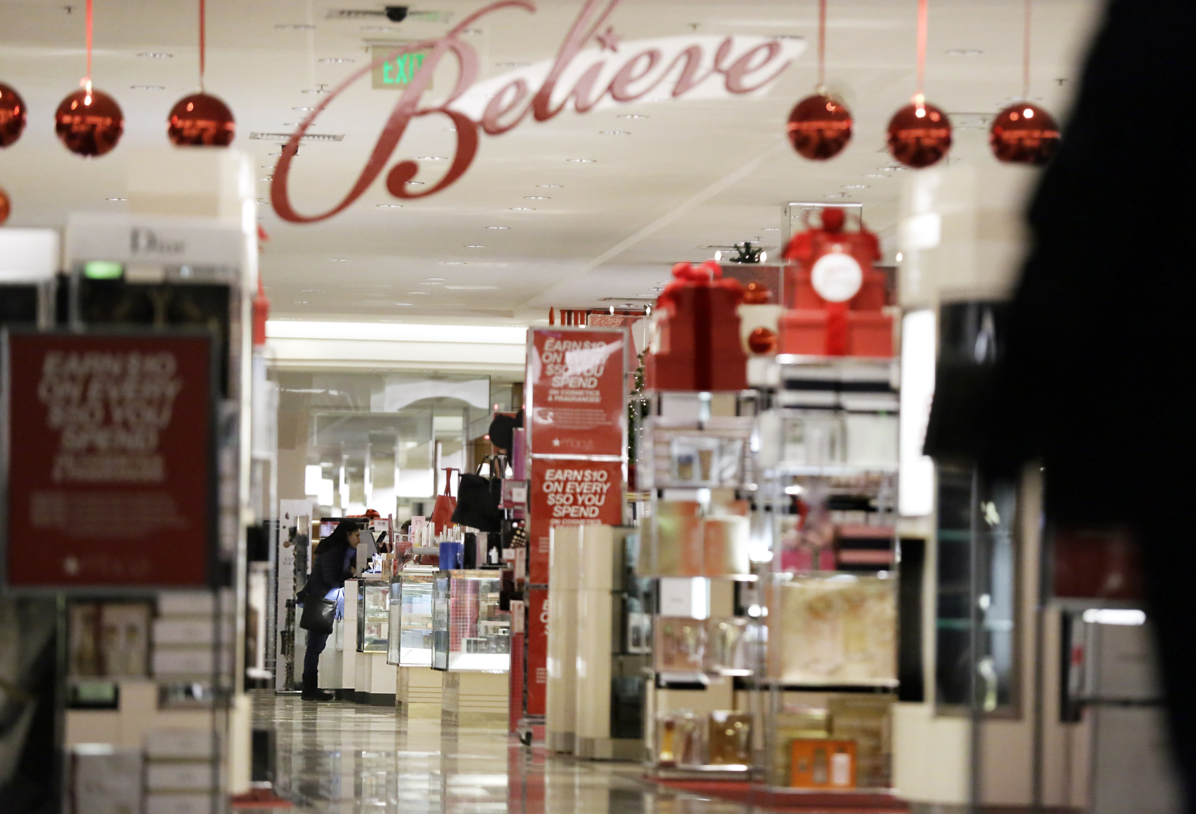 Department stores struggled this year as chains like Macy´s and Sears closed hundreds more stores - including this former Macy´s at Moorestown Mall in Moorestown, N.J. that closed in March 2017.