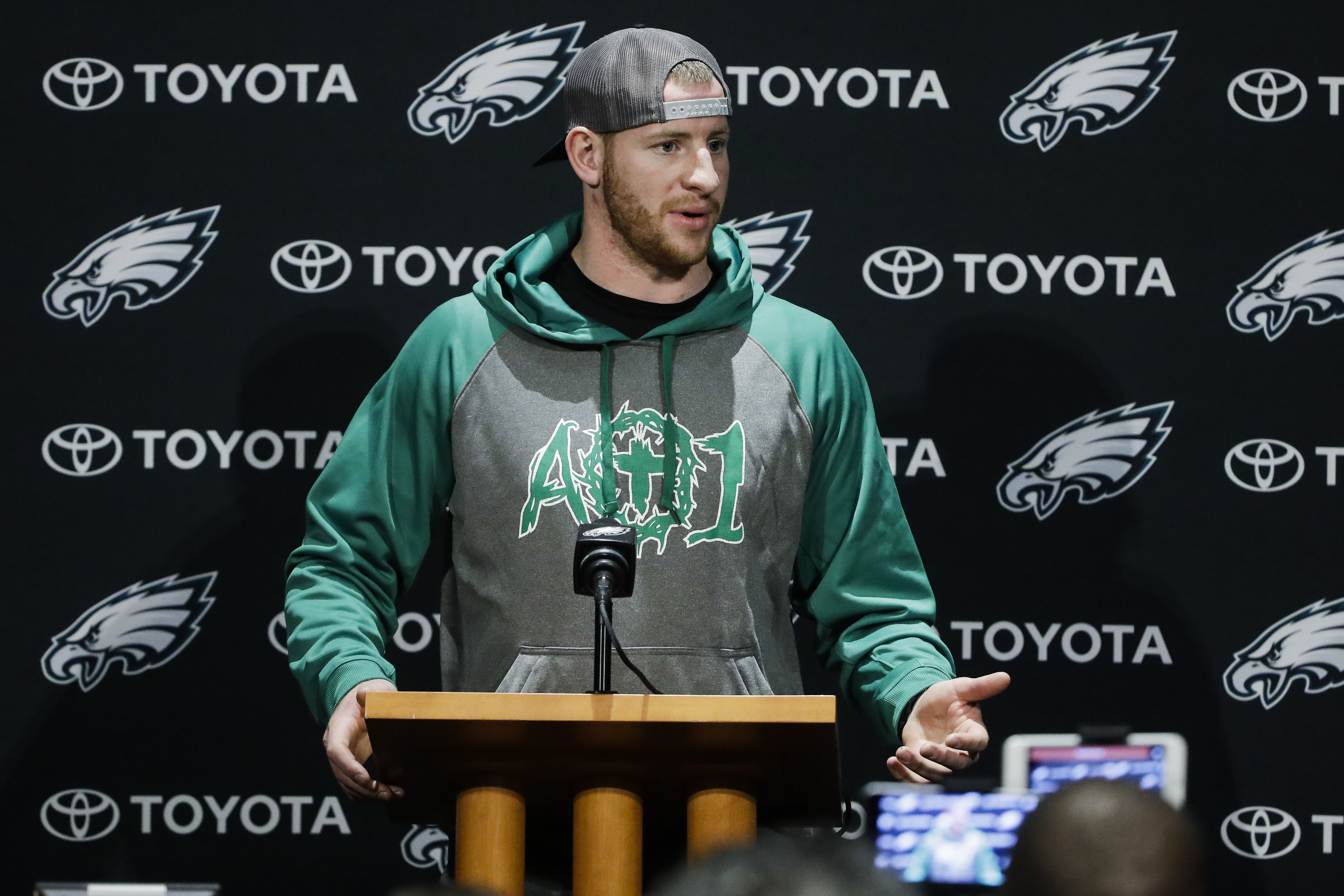 Eagles quarterback Carson Wentz speaks with members of the media during a news conference at the team´s training facility in Philadelphia on Wednesday.
