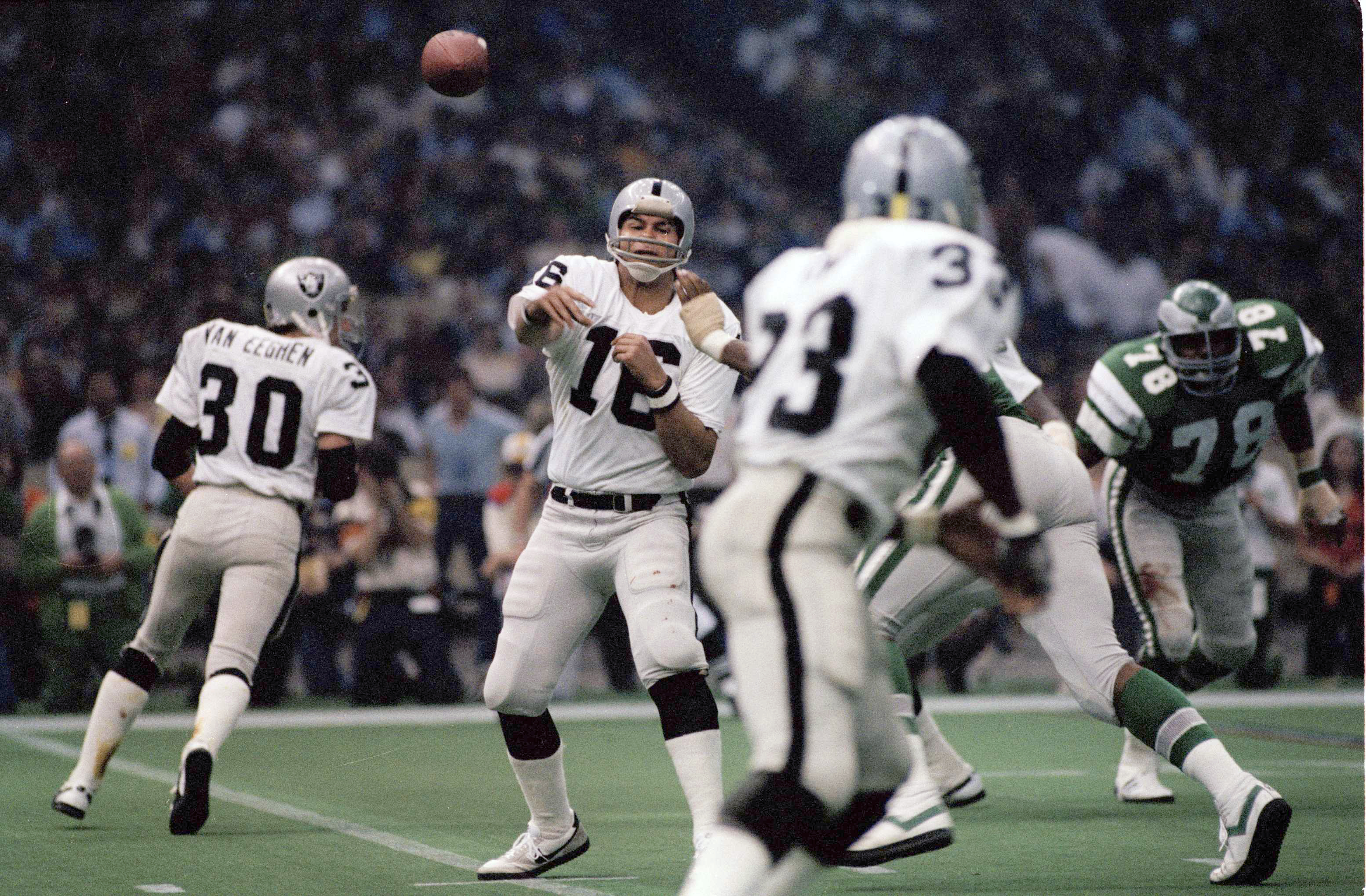 Jim Plunkett (16) led the Raiders to two Super Bowls, including this one over the Eagles following the 1980 season. Plunkett was the game´s MVP. (AP Photo/File)