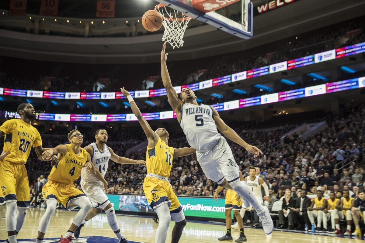 Villanova's Phil Booth, drives for a backdoor layup in the Wildcats' win over La Salle.