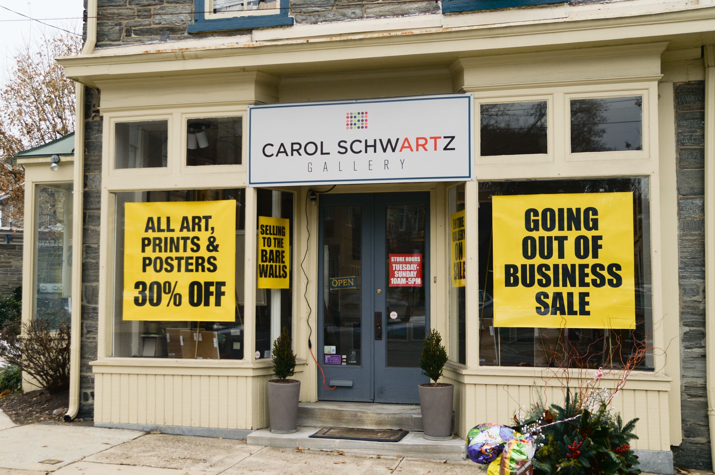 After 27 years on its Chestnut Hill corner, the Carol Schwartz Gallery in Chestnut Hill is going out of business. (GENEVA HEFFERNAN / Staff Photographer)