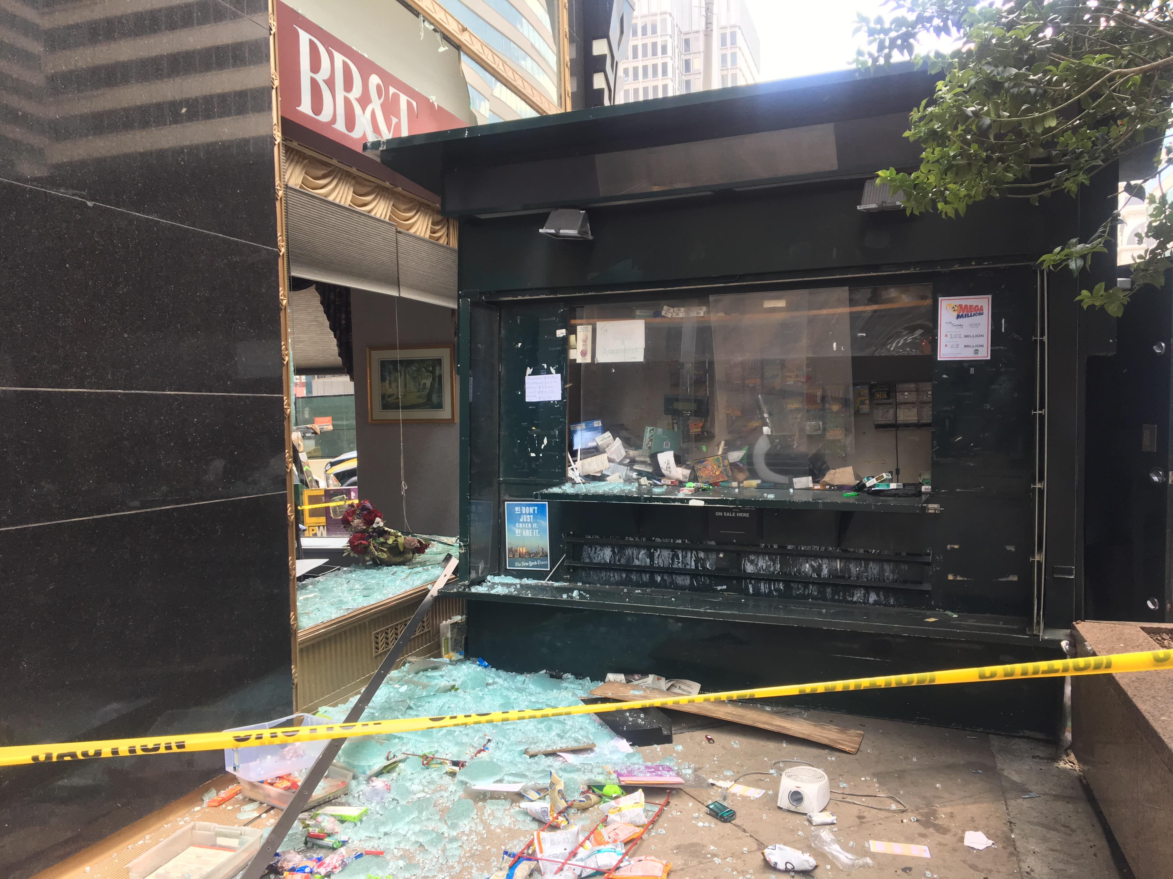 Minivan jumps curb in Center City Philadelphia, hitting pedestrians