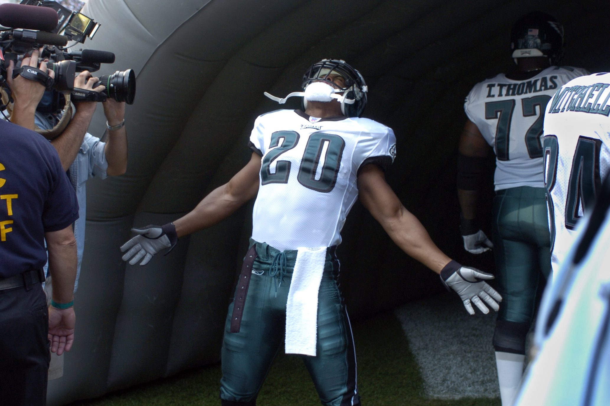 Eagles Brian Dawkins gets fired-up before the start of their first game of the season on Sunday, September 12, 2004 at Lincoln Financial Field.