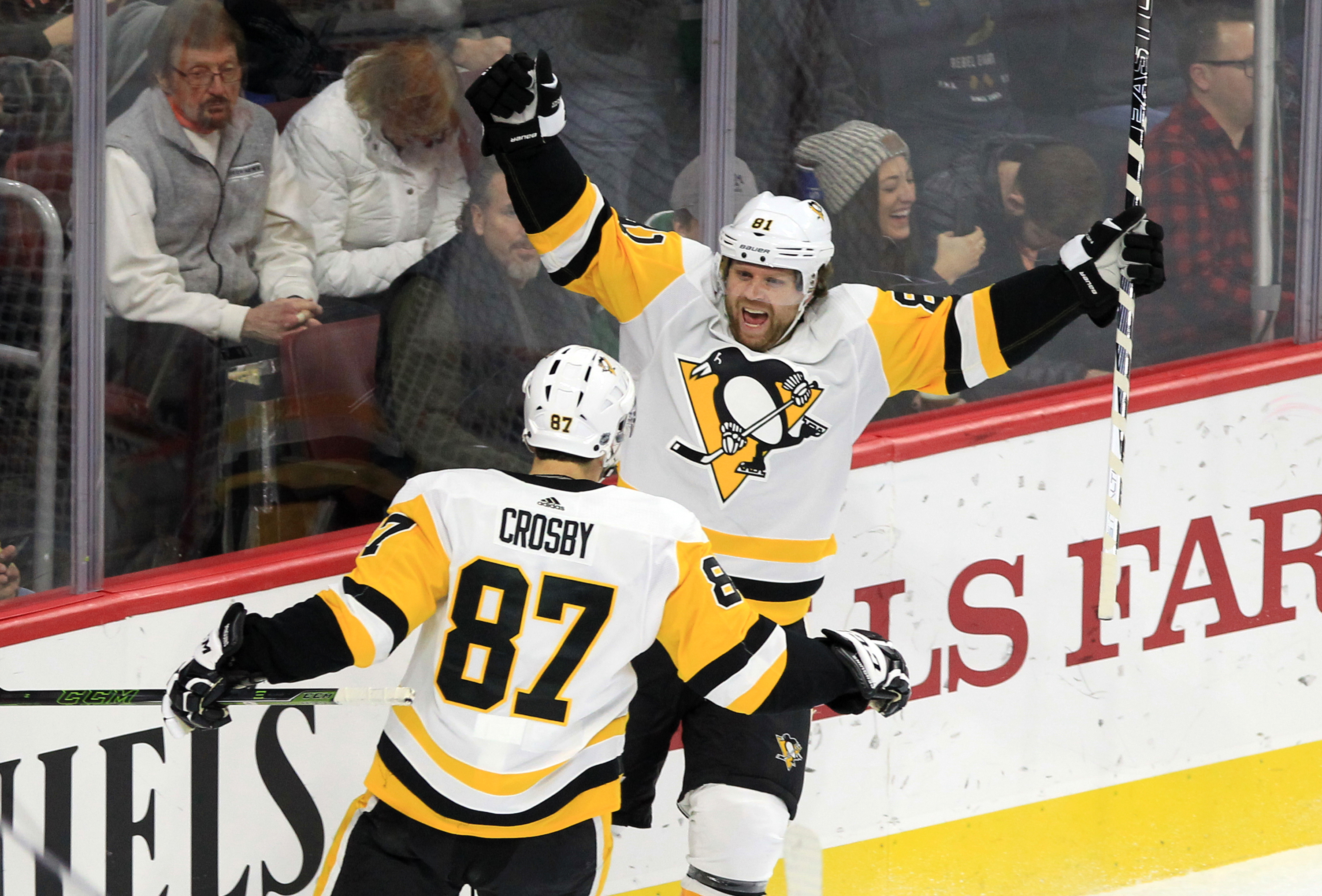 Phil Kessel, right, and Sidney Crosby of the Penguins celebrate Kessel's goal during the second period.