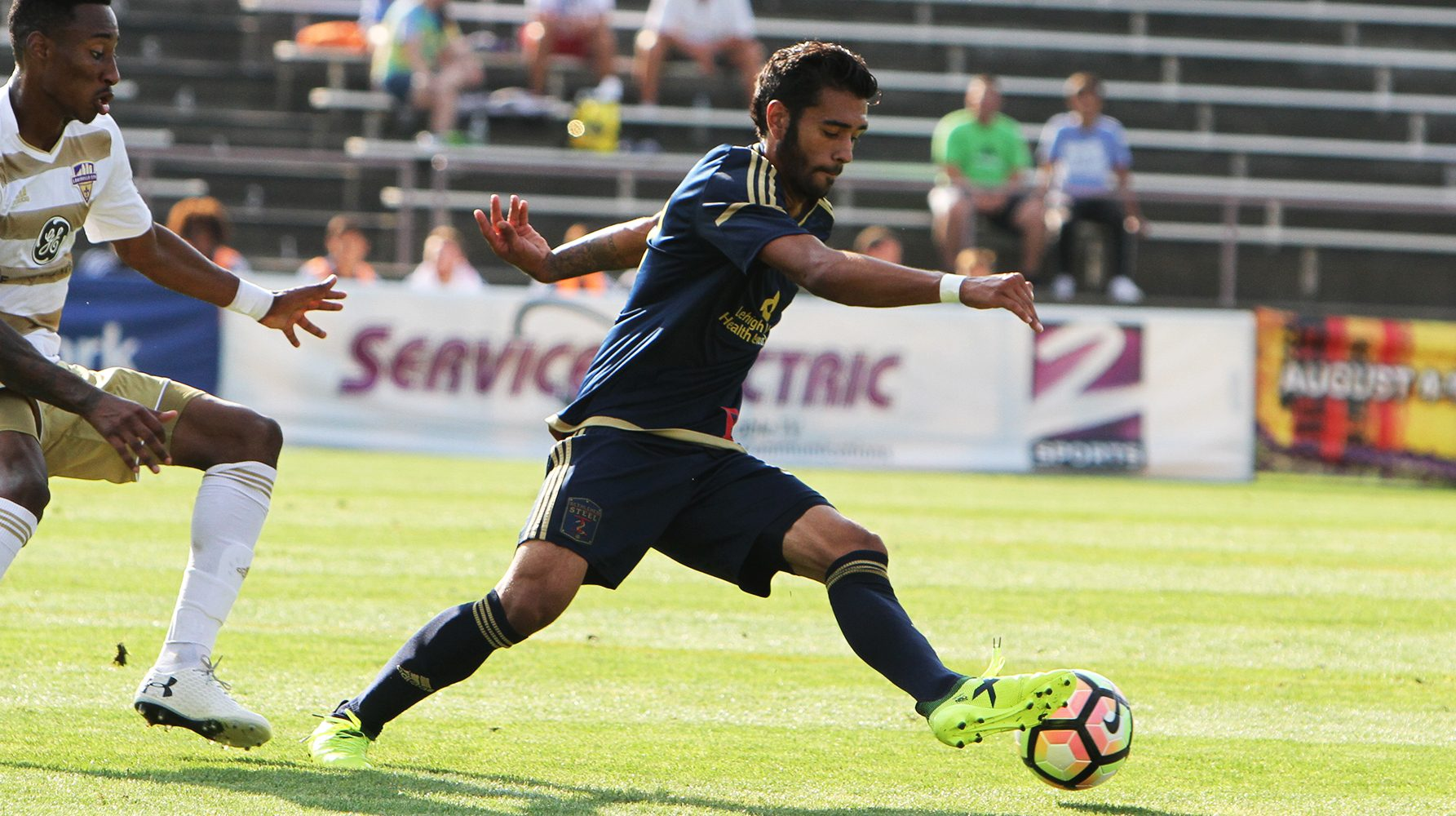 Philadelphia Union academy prospect Matthew Real (right) in action for Bethlehem Steel, the club´s minor-league USL affiliate.