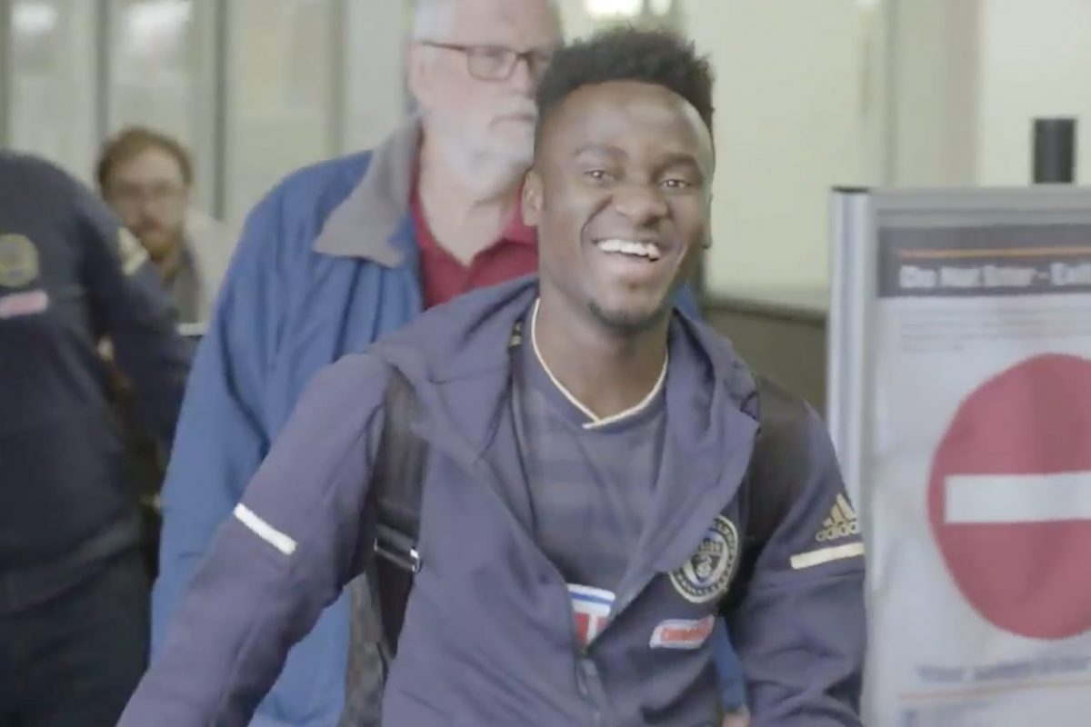 New Philadelphia Union winger David Accam showed off the team's new 2018 home jersey as he arrived in town for the first time after being traded here.