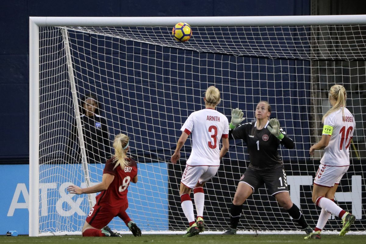 United States women´s national soccer team midfielder Julie Ertz scored a goal on the same night that husband Zach Ertz helped the Philadelphia Eagles reach the Super Bowl.