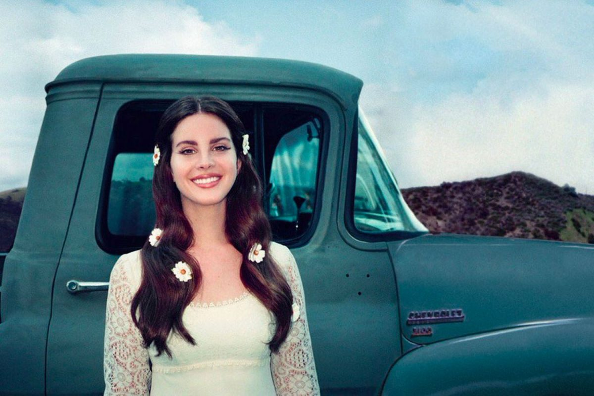 Lana Del Rey follows the Eagles onstage in South Philly: 'I heard your team won tonight'