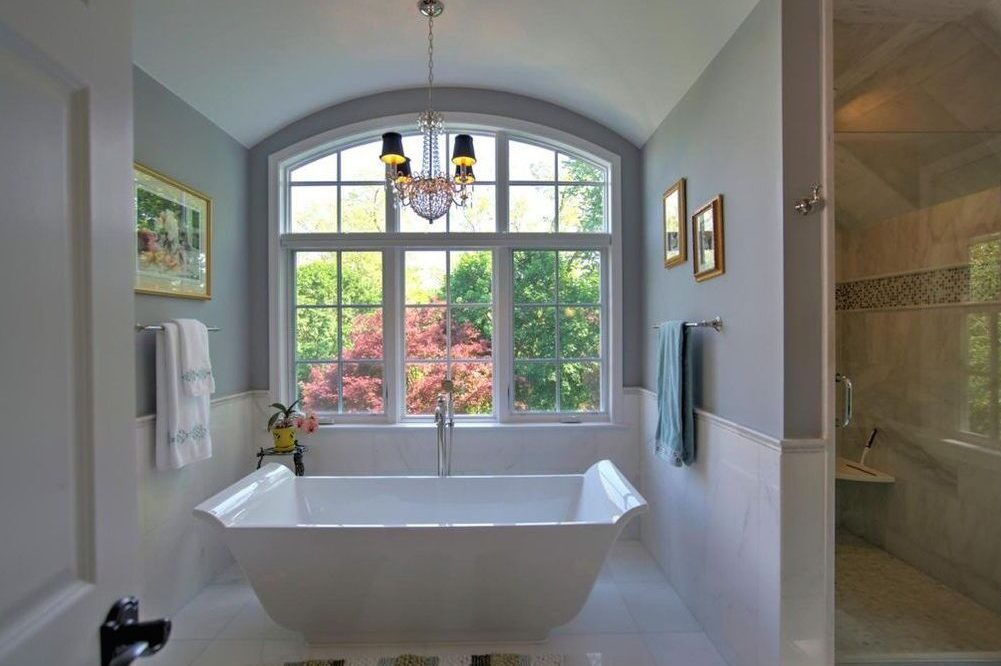 The soaking tub and shower at 6 Horseshoe Lane in Paoli.