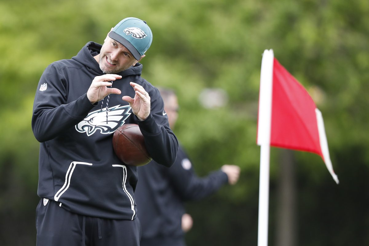 Wide receivers coach Mike Groh talks to his players at Eagles rookie camp in May.