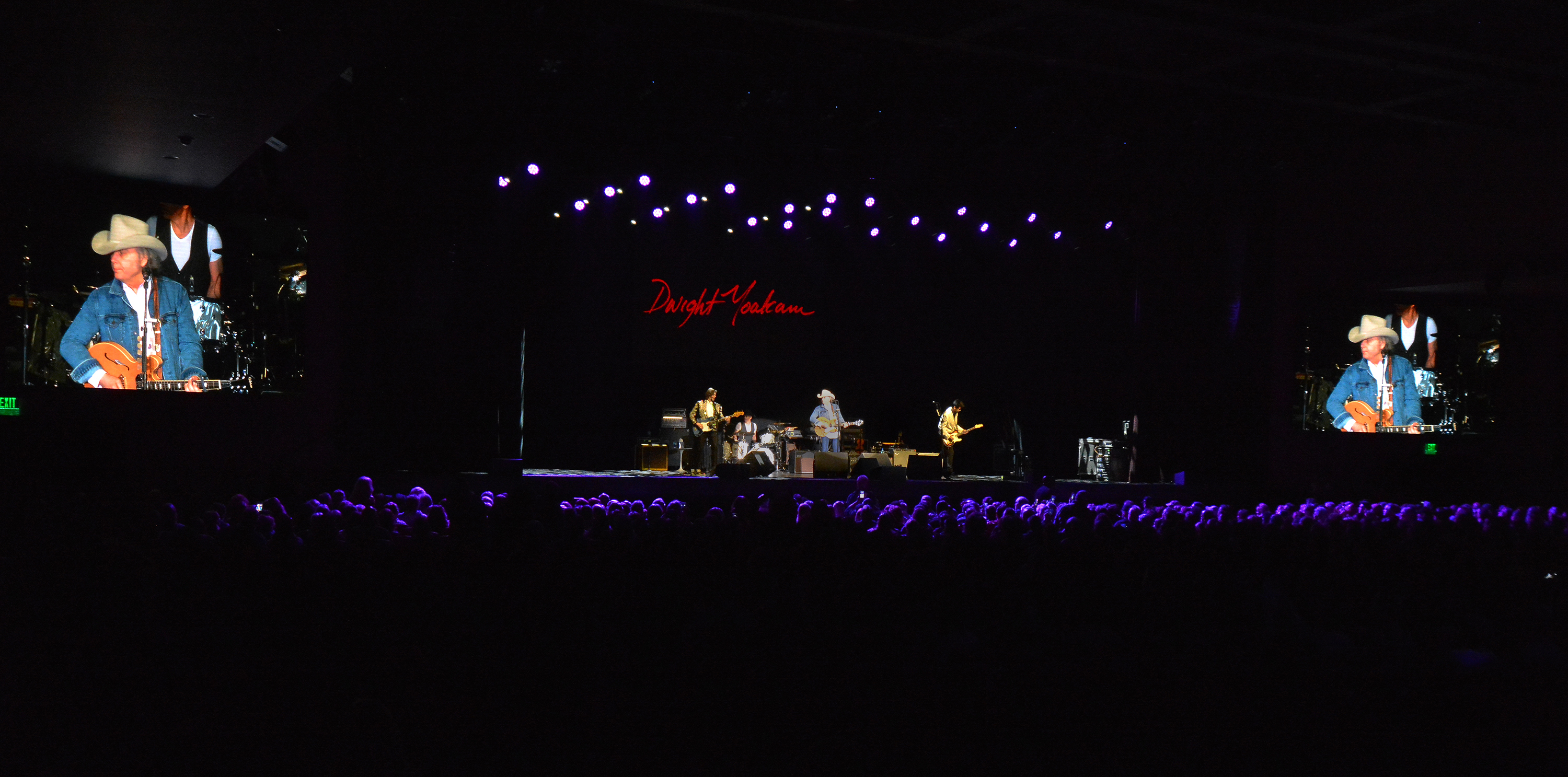 Dwight Yoakam performs at the new Xcite Center at the Parx Casino in Bensalem Pa. on Thursday February 8,,2018. MARK C PSORAS/For the Inquirer