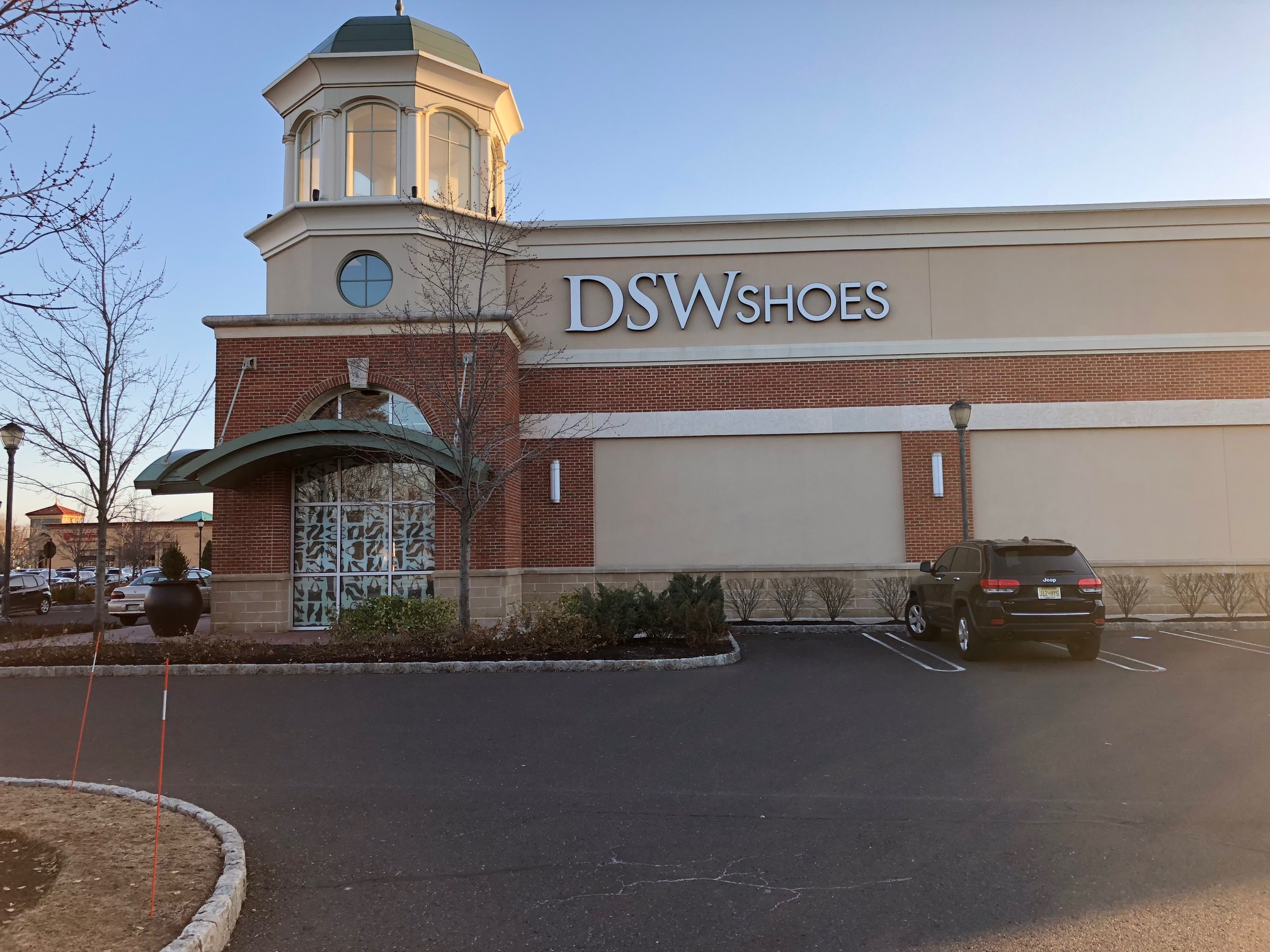 Retail space would be added for two more stores near the DSW Shoes in Cherry Hill´s Garden State Pavilion.