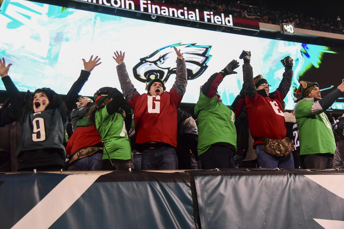 Eagles fans celebrate a touchdown against the Oakland Raiders at Lincoln Financial Field this past season. SeatGeek's partnership with the NFL will allow Eagles fans to transfer tickets more easily this coming season.