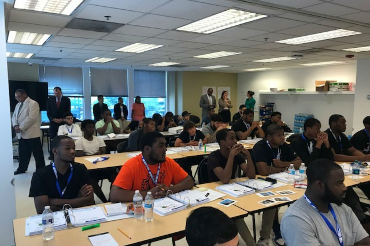EDSI created a three-week construction boot camp for PennAssist: Bridging the Gap to prepare participants for apprenticeships.